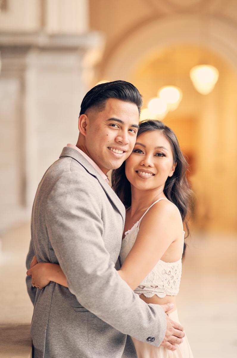 couples-portraits-4th-floor-balcony-sf-city-hall-by-afewgoodclicks