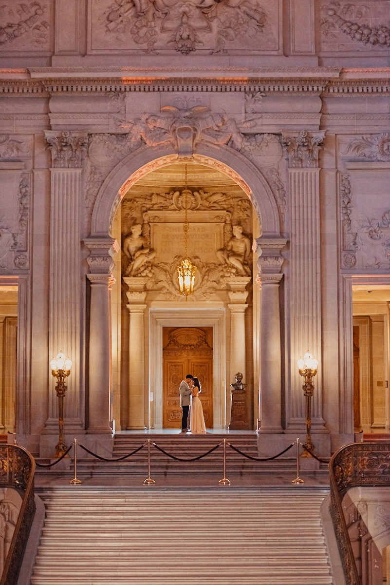 sf-city-hall-rotunda-wedding-photography-by-a-few-good-clicks
