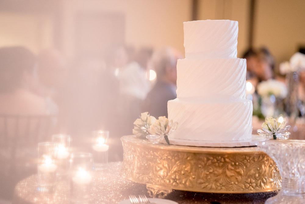 cake-afghani-pakistani-wedding-photography-marriott-fremont-afewgoodclicks-100.jpg