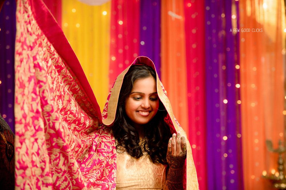 shy-indian-bride-mehndi-ceremony-poses-bayarea-ca