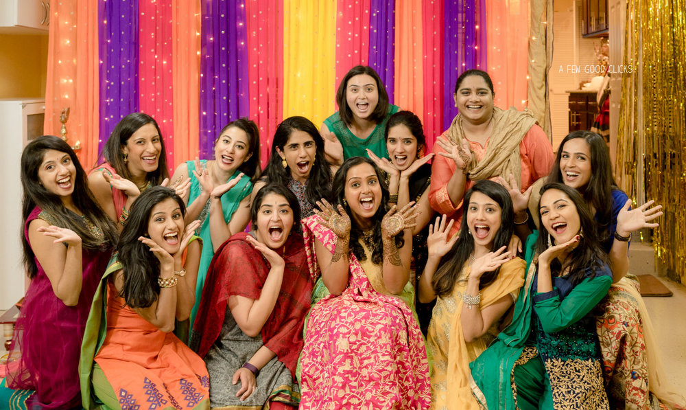 south-indian-wedding-pictures-with-bride-and-her-friends
