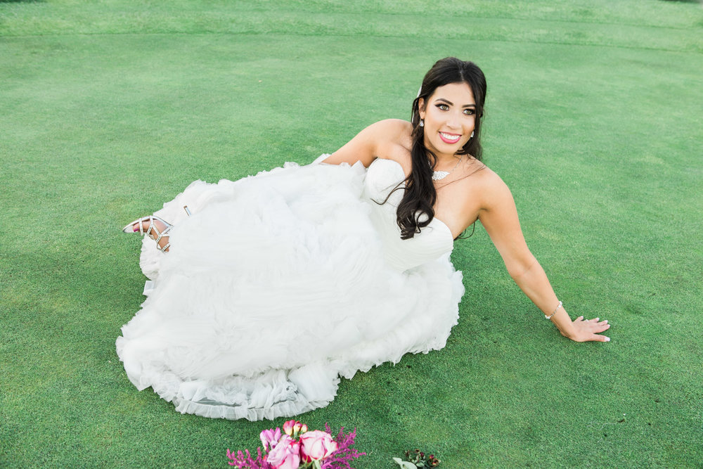 fun-bride-poses-golf-course-ruby-hill-photography-by-afewgoodclicks-net