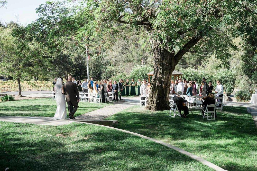 wedding-ceremony-set-up-elliston-vineyard-wedding-photographer-afewgoodclicks.net