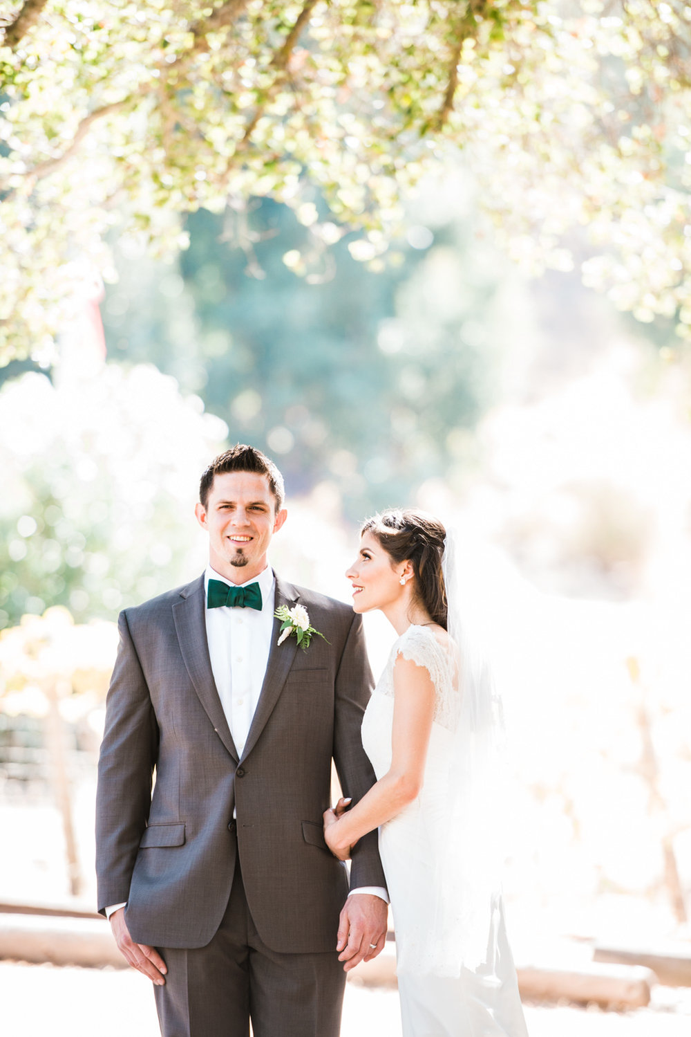 bride-groom-portraits-elliston-vineyard-wedding-photographer-afewgoodclicks.net