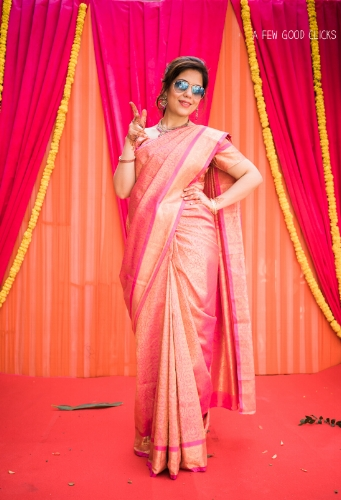indian-wedding-bridal-party-poses-captured-by-a-few-good-clicks.net