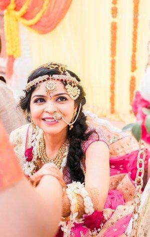 Indian-bride-poses-indian-wedding-photography-agra-bayarea-afewgoodclicks.net