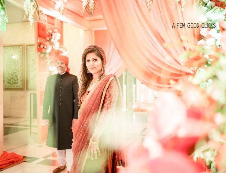 evening-wedding-reception-family-pictures-a-few-good-clicks-net