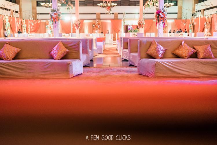 jaypee-palace-ballroom-set-up-wedding-party-agra