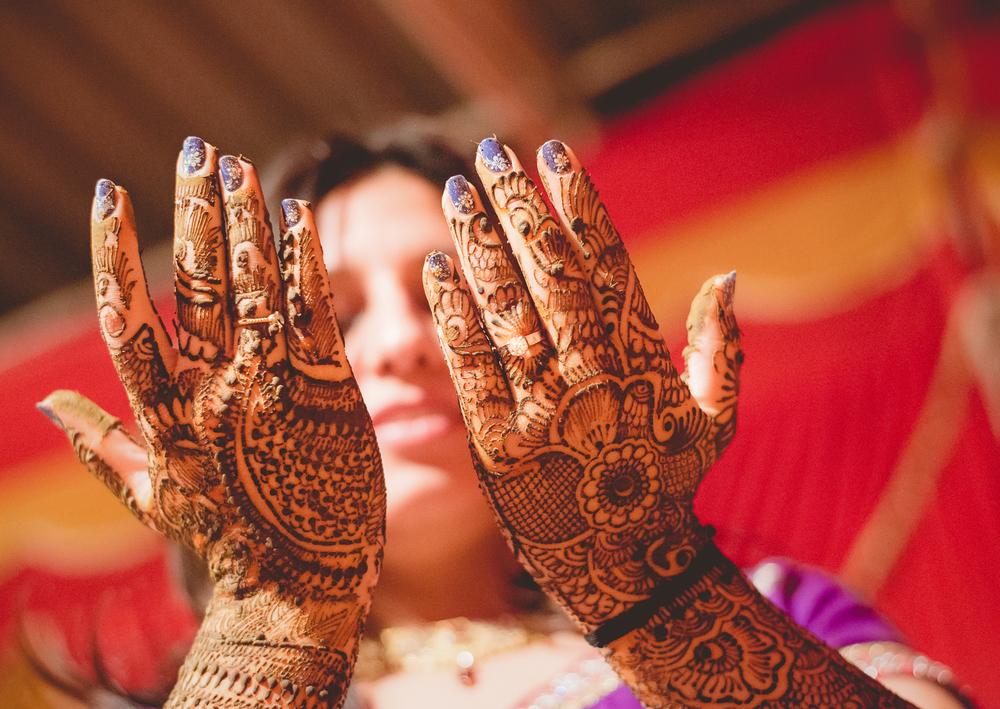 mehndi-ceremony-photography-by-afewgoodclicks