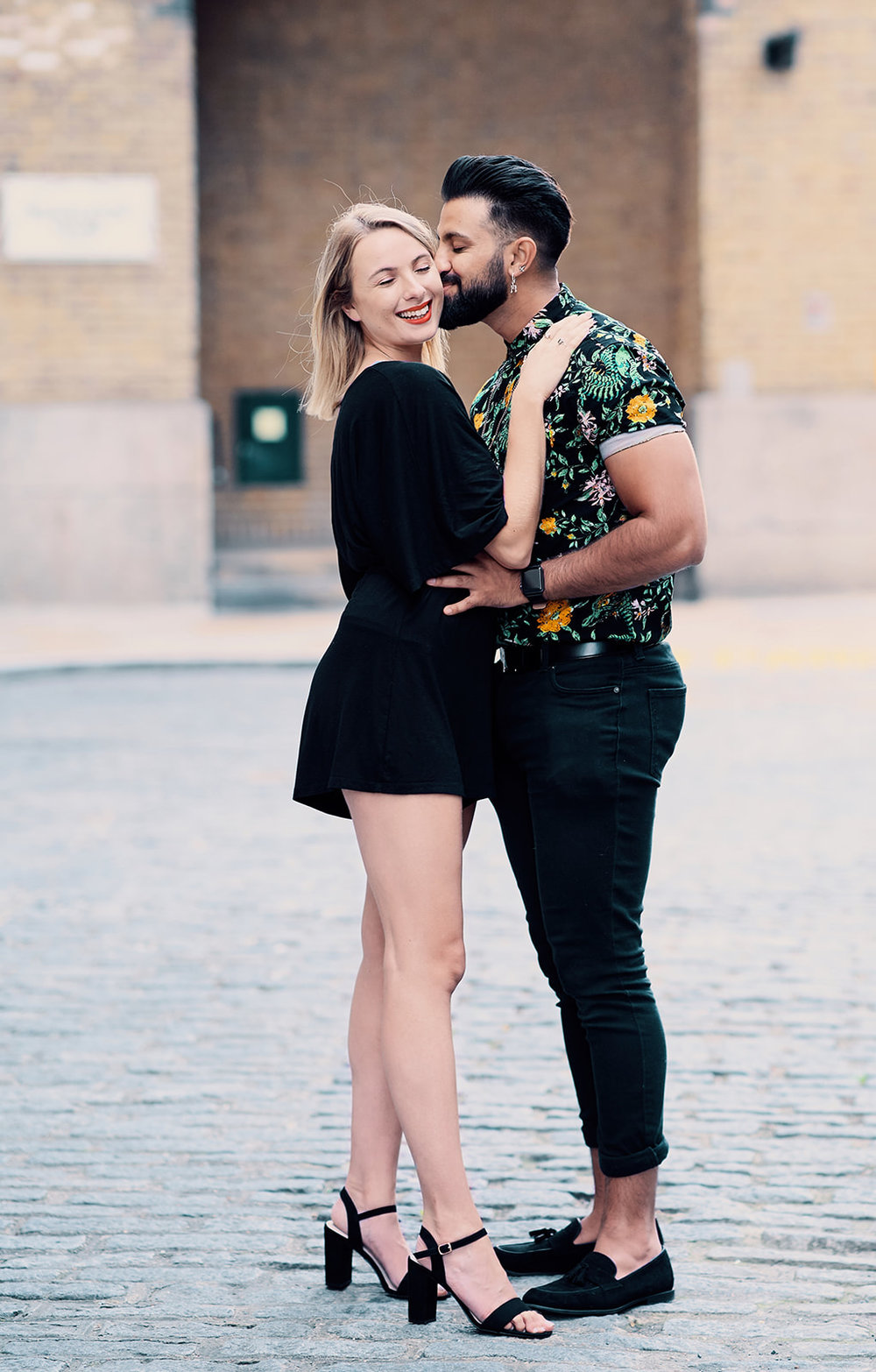 engagement-photo-shoot-london-location-by-afewgoodclicks