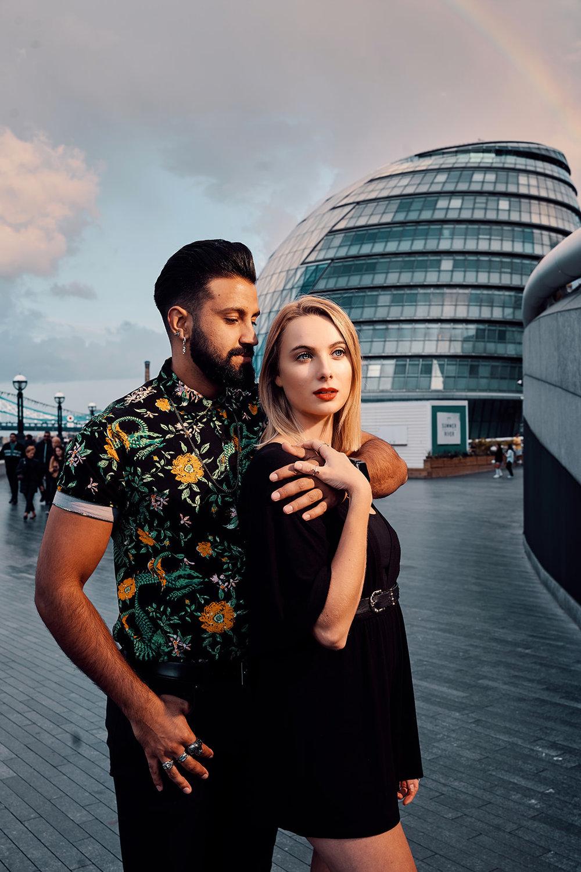 engagement-photo-shoot-near-tower-bridge-london-location-by-afewgoodclicks