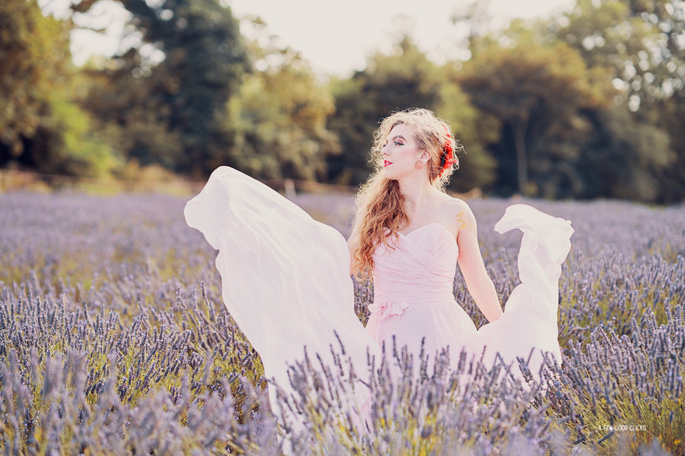 mayfield-lavender-farms-couples-photoshoot-in-kent-uk-by-afewgoodclicks+58.jpg