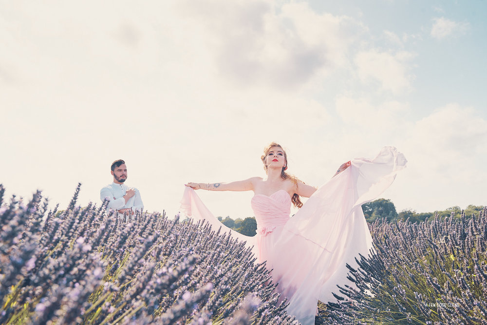 lavender-farms-couples-photoshoot-in-summer-by-afewgoodclicks