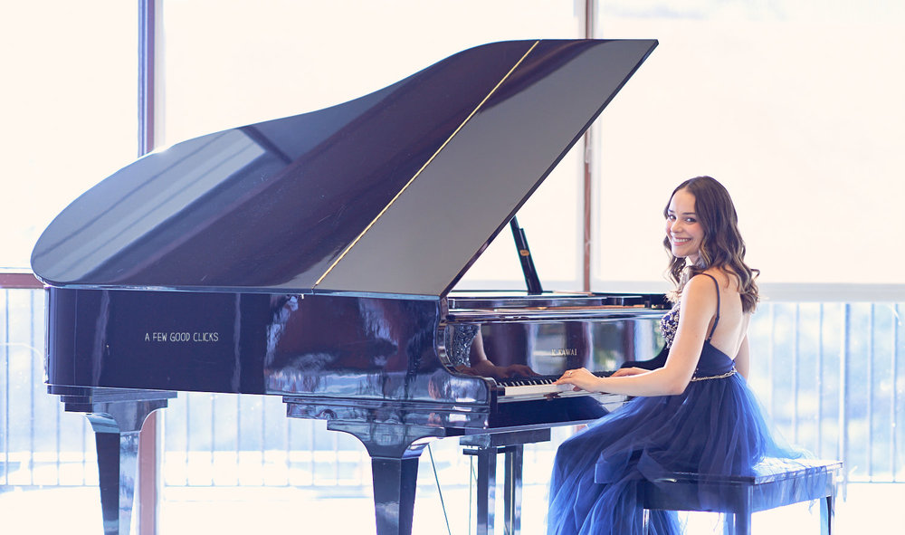 unique-engagement-photo-shoot-with-piano-san-jose-country-club-afewgoodclicks