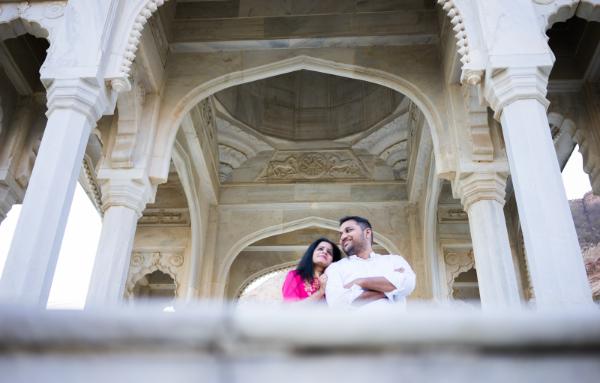 jaipur-engagement-photoshoot-gaitore-ki-chatriyan-byafewgoodclicks.net