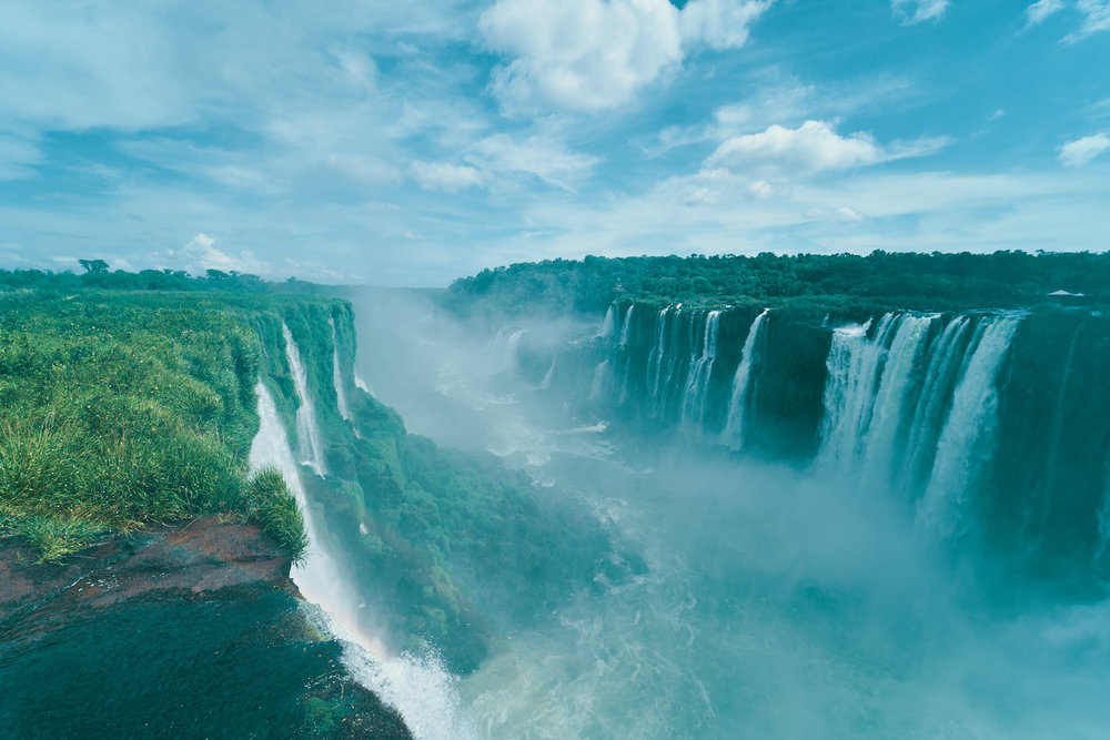 iguazu-falls-argentina-view-top-places-to-visit-in-2019-photos-by-afewgoodclicks