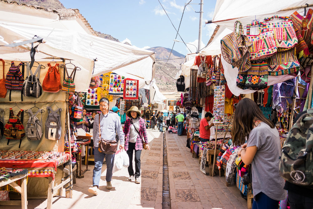 local-market-ollantaytambo-town-best-street-photography-by-afew-good-clicks-net