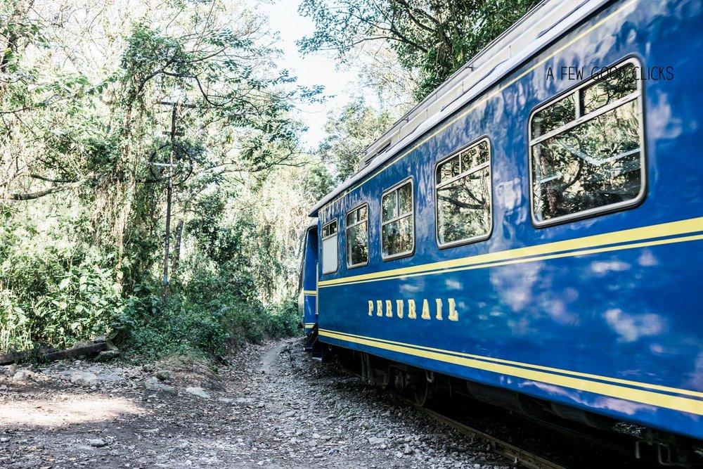 km104-peru-rail-stop-to+start-1-day-inca-trail-travel-photographer-afewgoodclicks.net