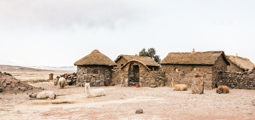 rural-homes-on-the-way-to-sillustani-travel-2016-best-of-peru-photography-by-afewgoodclicks.net