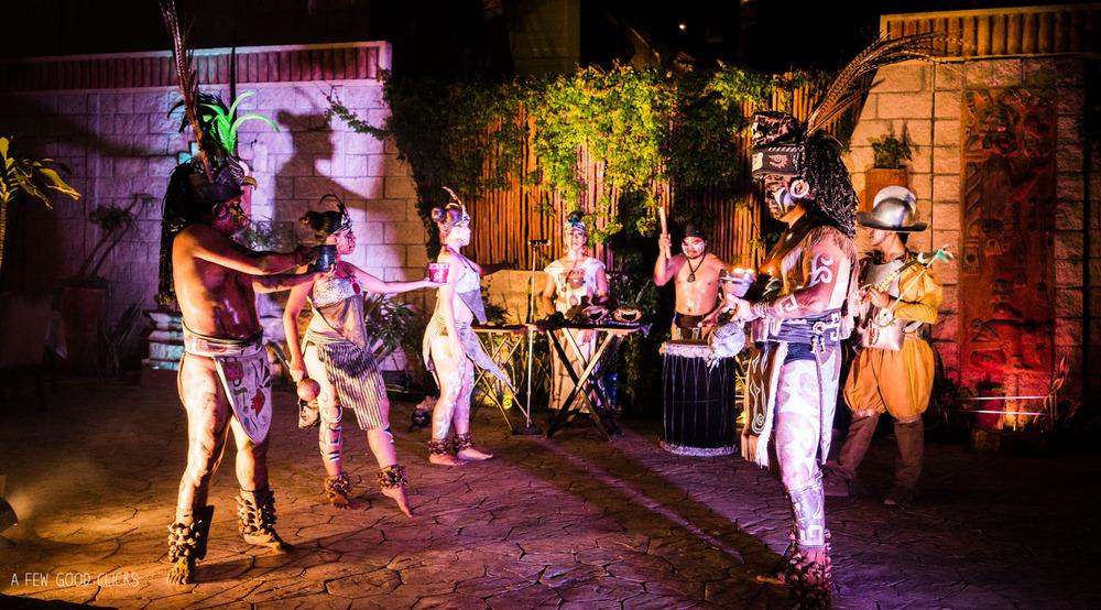 the-mayan-show-at-la-habichuela-cancun-restaurant-photography
