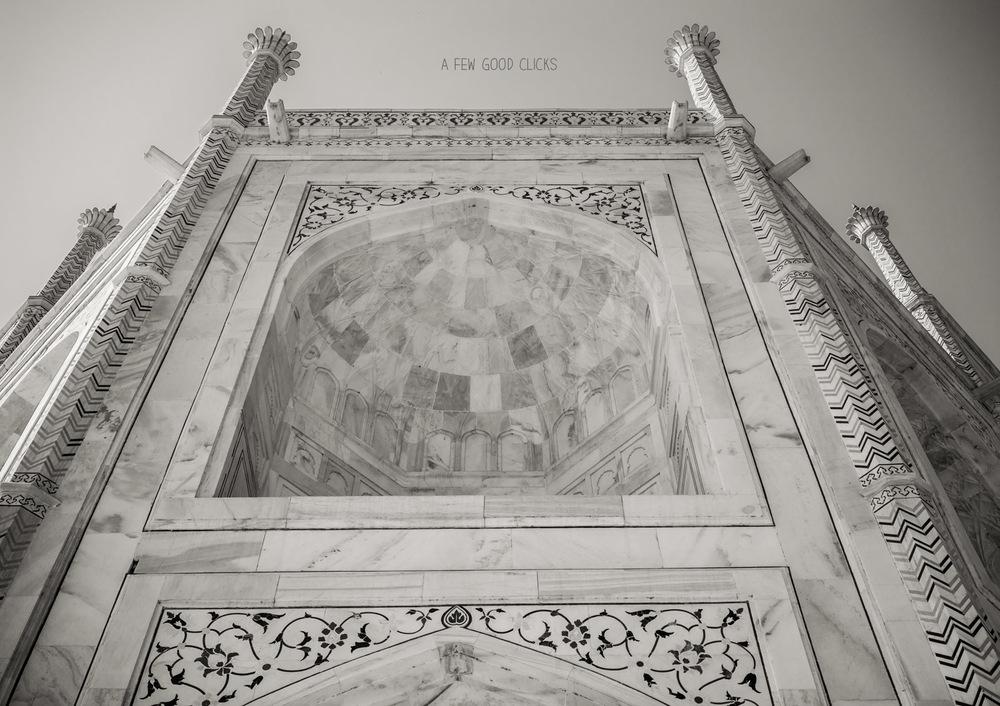 black-white-tajmahal-photographs-by-travel-photographer-a-few-good-clicks-net