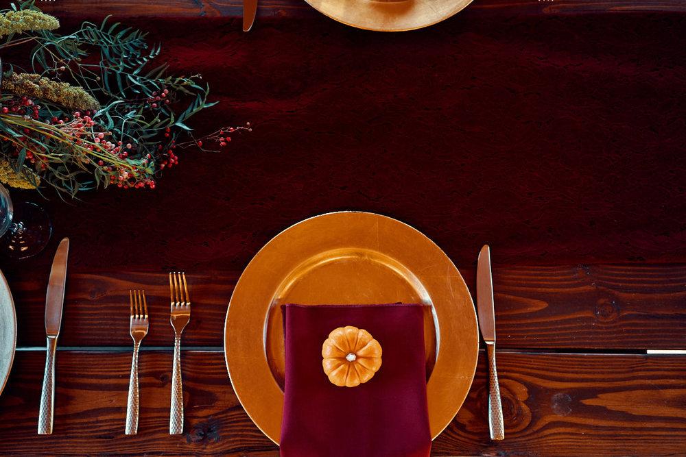 fall-table-decor-for+rustic-themed-wedding-photo-california-photographer
