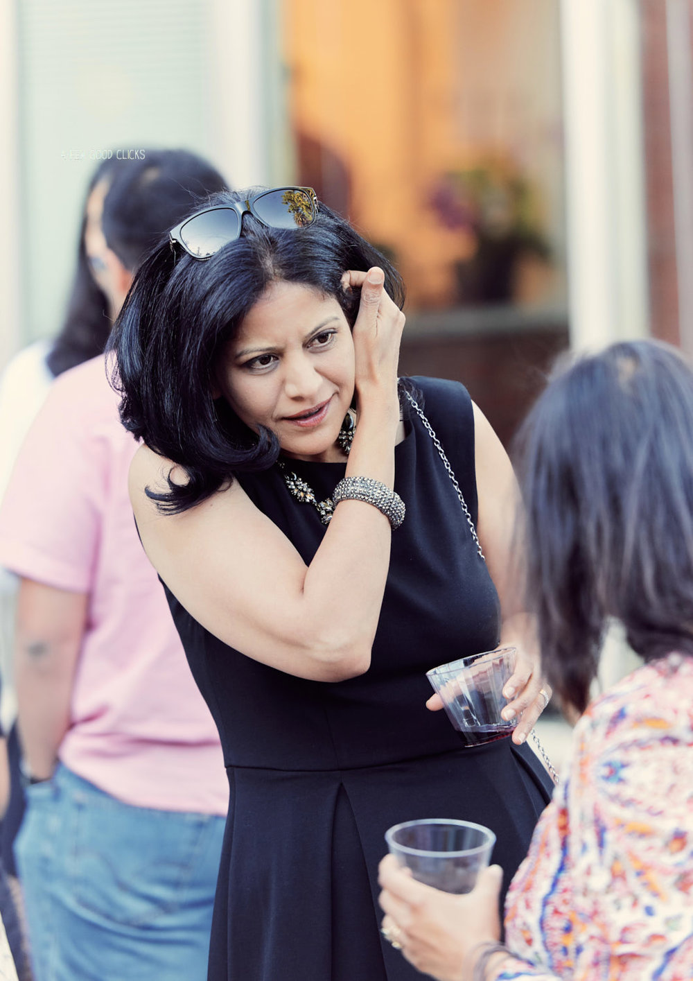 guests-mingling-at-friends-at-graduation-party-event-photography-bay-area
