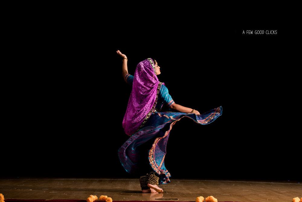 kathak-event-photography-at-jain-center-auditorium-milpites