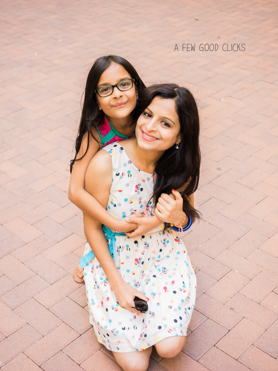 best-mommy-and-me-photography-poses-by-a-few-good-clicks-net