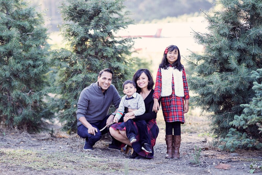 Now booking Christmas Mini Family Photo Sessions in San Carlos, California